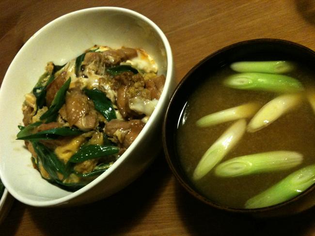 親子丼と納豆味噌汁